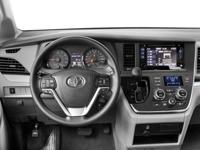 2017 Toyota Sienna Le Awd 7 Penger In Plattsburgh Ny Della Mitsubishi